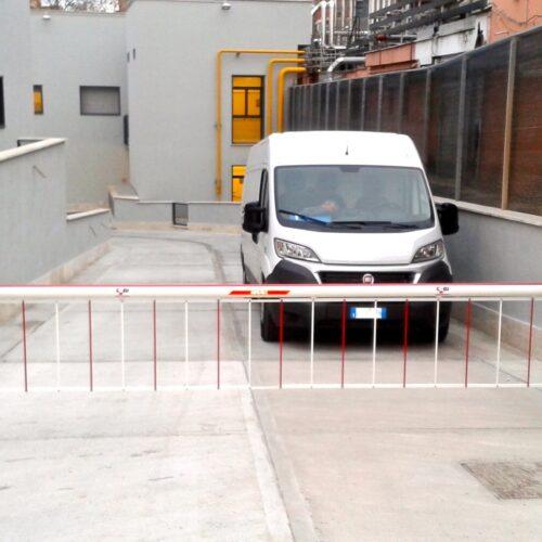 Barriera automatica FAAC su pendenza, Roma
