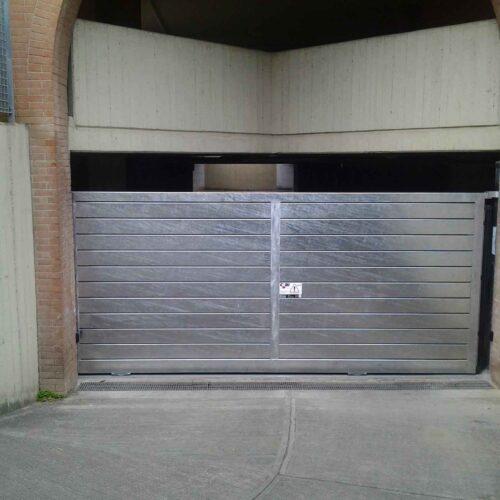 Cancello scorrevole automatico in acciaio zincato - automazione Faac - Cebi Roma