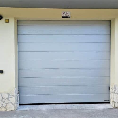 Portone sezionale Hormann Renomatic alluminio brillante effetto legno - Fornitura e installazione - Roma, CEBI Srl