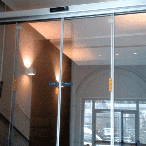 Porta automatica FAAC, Gruppo Azimut, Roma